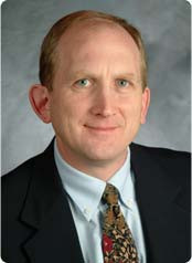 Dr. Thomas E. Sullivan '85 helped develop the NFL's concussion evaluation program for retirees.